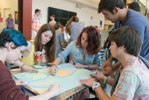 Students work in Columbus College of Art & Desig's College PreView program